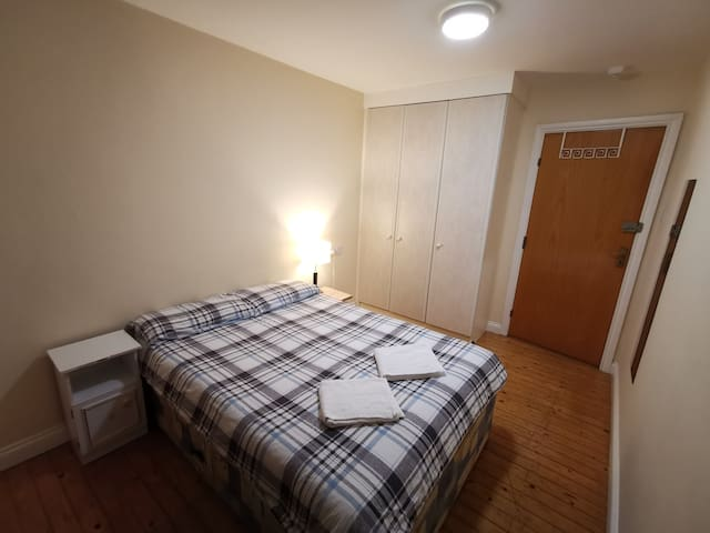 Double Room No.1 @ The Spanish Arch (City Centre)