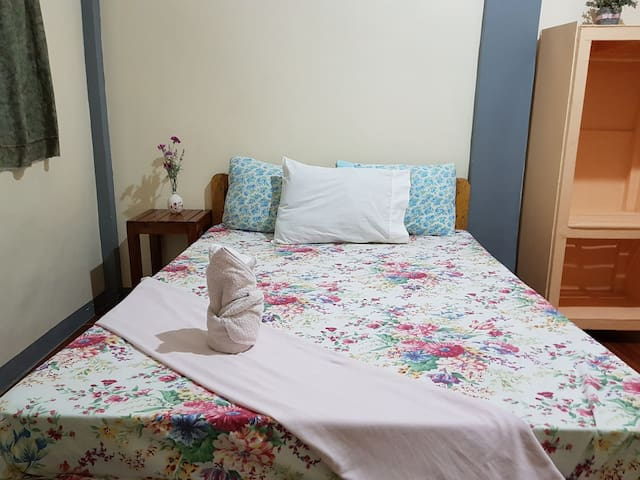 Basio's Place Affordable Accomodation in Town(5)