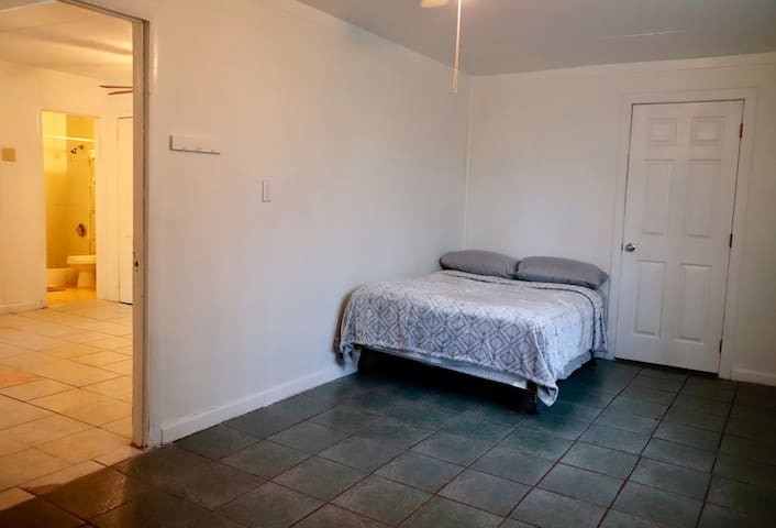 Private Apartment San Antonio Jefferson Area*****