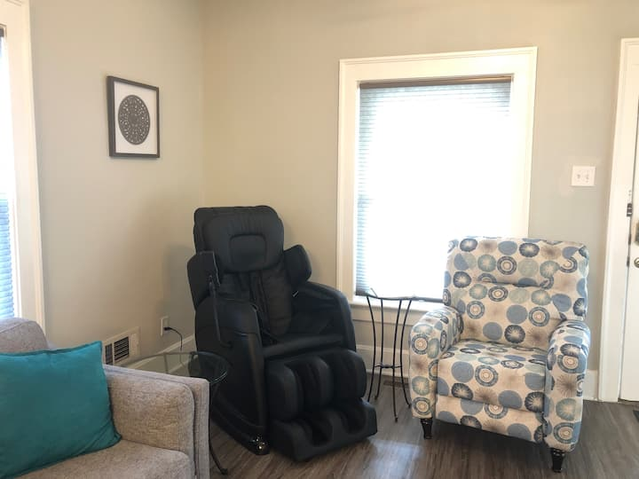 2BR house with massage chair one mile from I-70.