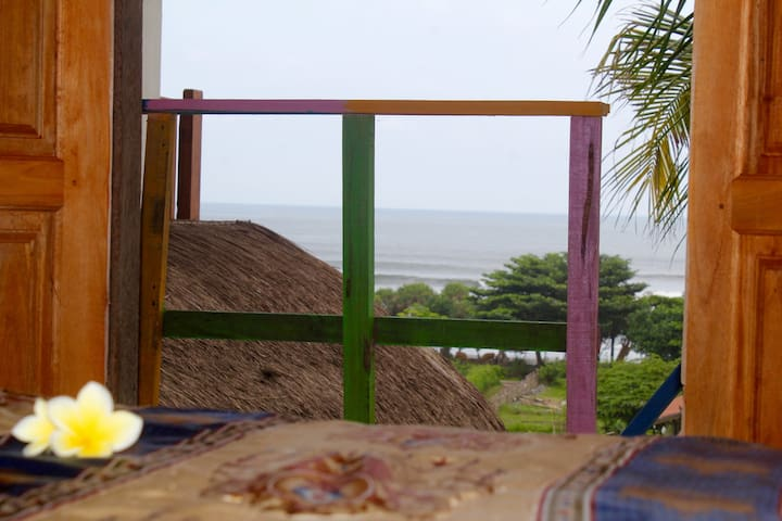 Dikaloha Medewi Beach Hut