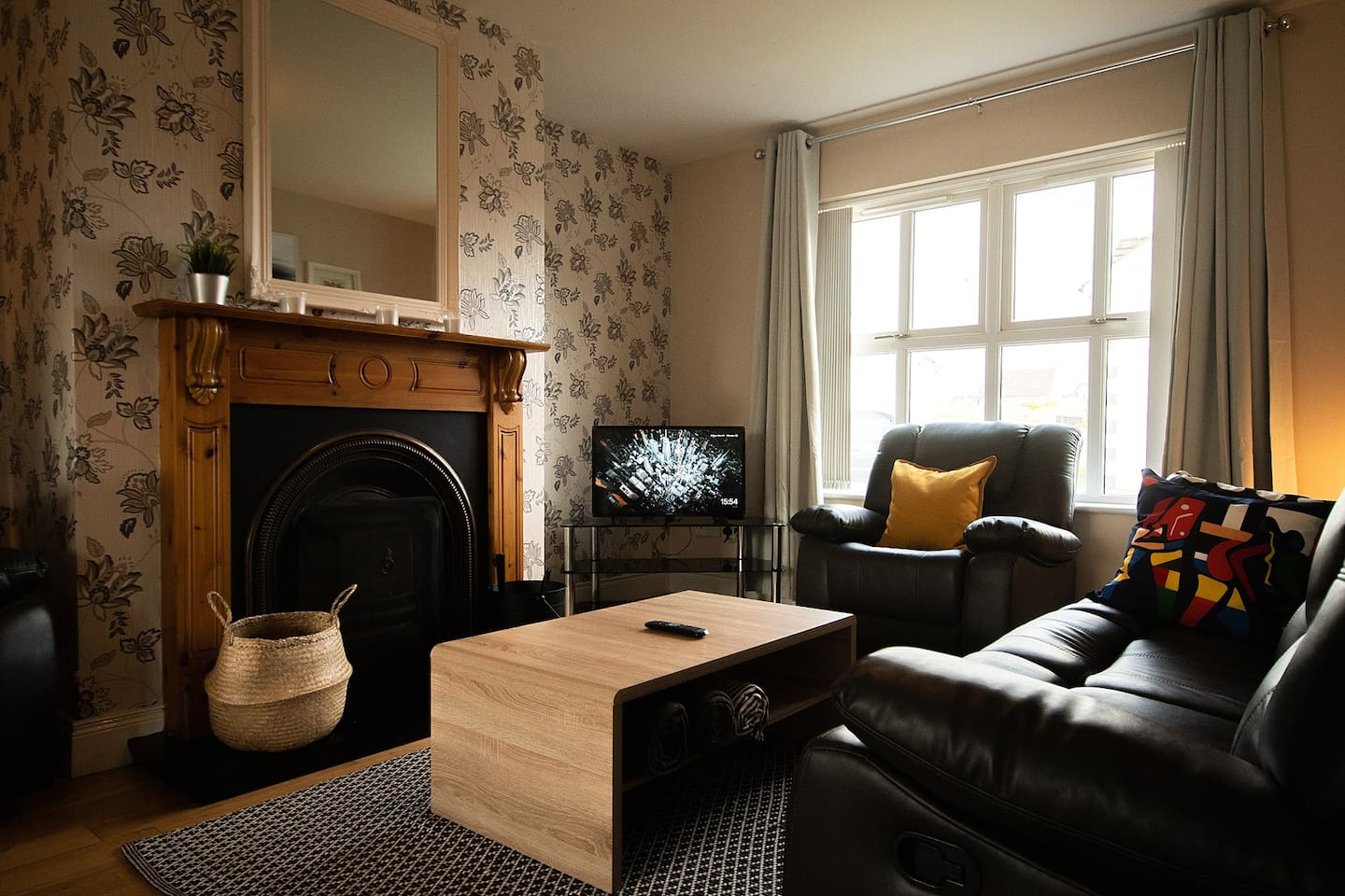 The lounge has two double seat sofas and a single seat.  The fireplace is great for winter nights, and wifi and a chrome cast so you can cast your netflix, youtube and spotify.