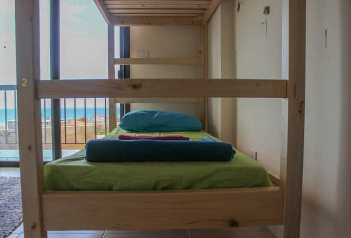 Cozy shared bedroom 2-min drive from Batroun souk