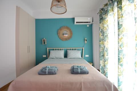 Urban sunny apartment near Acropolis