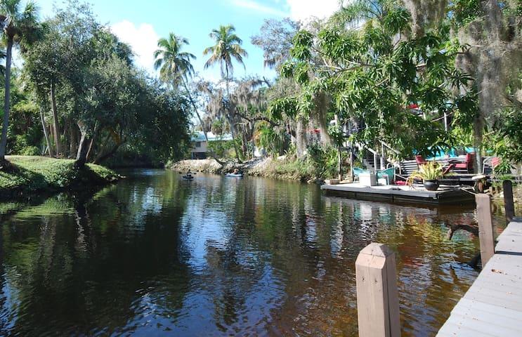 Kayaker's Retreat, 2 River Homes-6 kayaks!