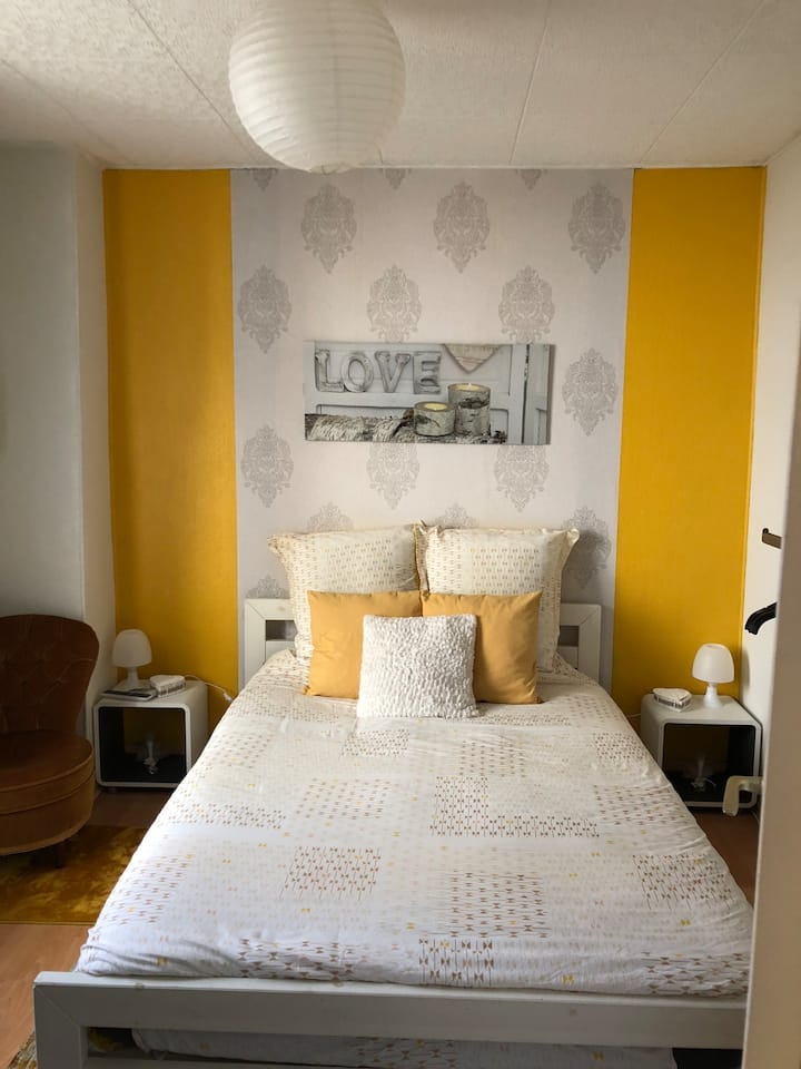 Une belle petite chambre au centre ville