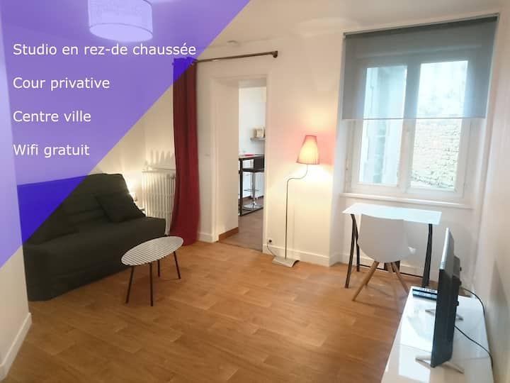 Lesage - Studio + cour privative - Lorient centre