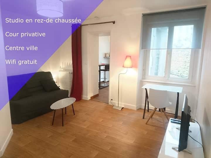 Lesage - Studio + cour privative - Lorient centre
