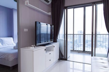1 bedroom next to skytrain free 50Mbps wifi FL.18 - Bangkok