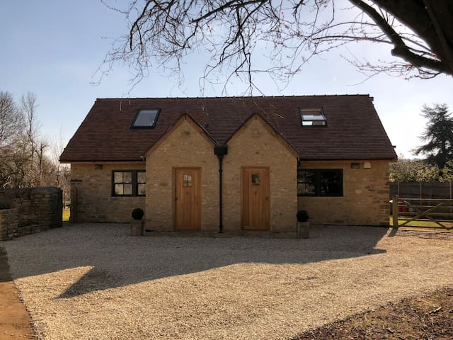 Luxury Cottage No 1 - Central Oxford/Cotswolds