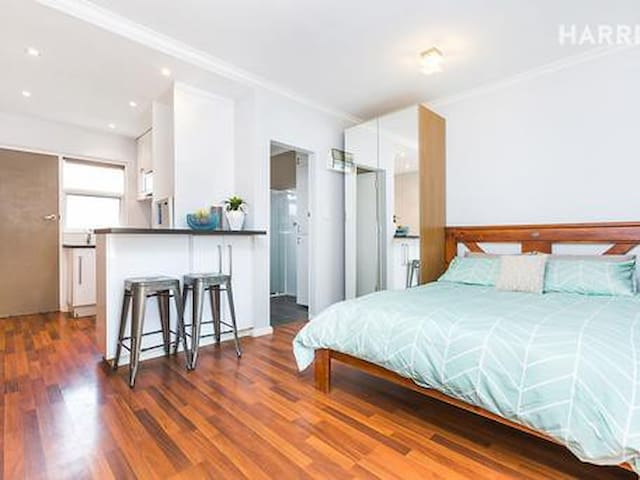 Cosy Glenelg East Unit - Glenelg East - Appartement