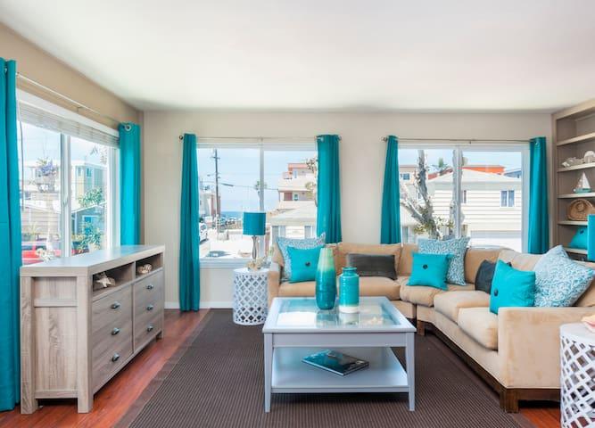 YOUR Beach house with Patio  & Balcony & 2 Garage