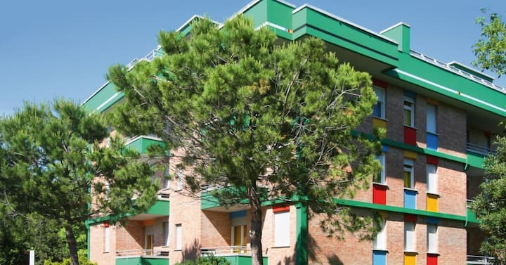 apt for 2+2 persons with a/c in Bibione R76664