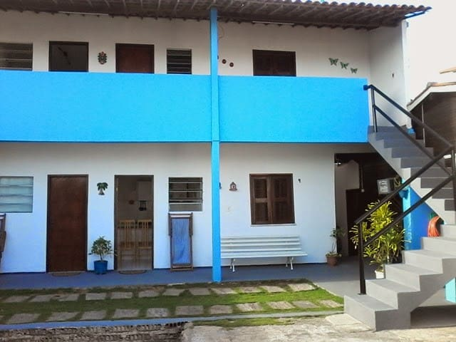 Costa Azul Fortaleza apartamento quarto e cozinha