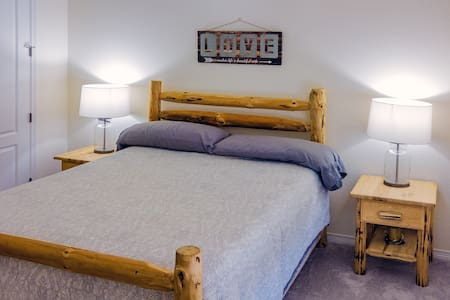 Full Guest Suite, Close to DIA and Denver