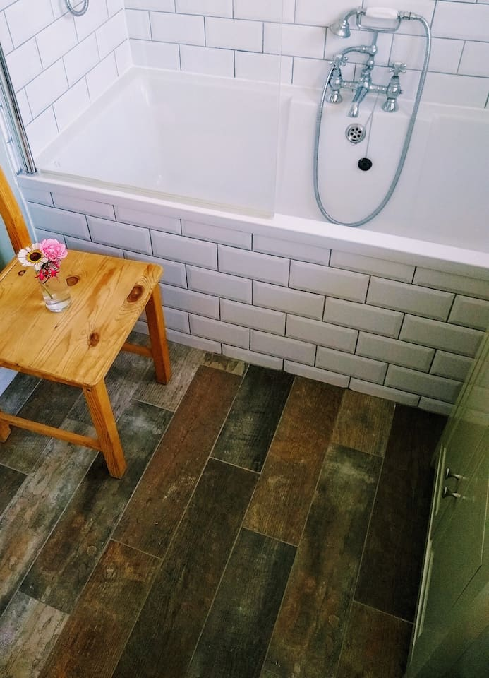 Bathroom : wooden floor