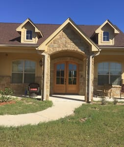 Highland lakes country manor home - Kingsland