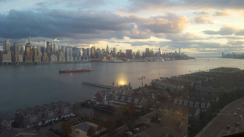 Amazing Breathtaking Views of NYC - Guttenberg - Apartmen