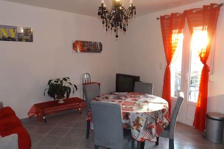 Appartement 4 personnes à Vergèze - Vergèze - Apartment