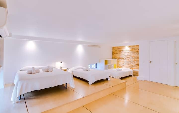 Nelsya Room!Exclusivity&Best Location in Faro for4