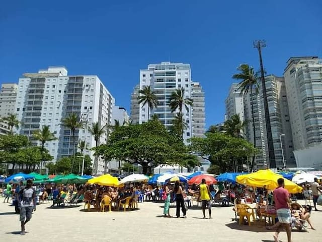 Asturias Guarujá.Entre Solaris e Jequitimar.80 R$