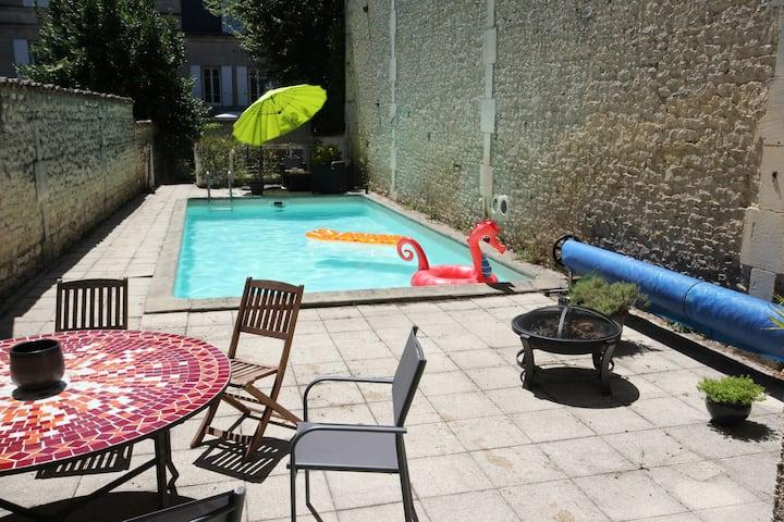 Maison avec piscine centre ville Cognac très calme