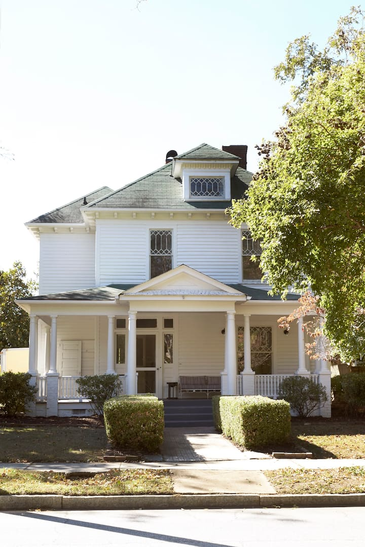 Entire High Point House - Bnb Sisters (Sanitized)