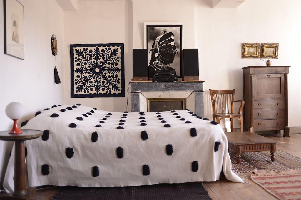Chambre n°1 master avec un lit king size