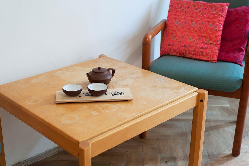 Table in Santai bedroom