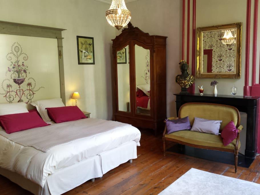 beaux esprits chambre ali nor chambres d 39 h tes louer fontenay le comte pays de la loire. Black Bedroom Furniture Sets. Home Design Ideas