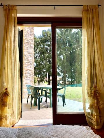 Camera con bagno privato in Villa vicino a Como
