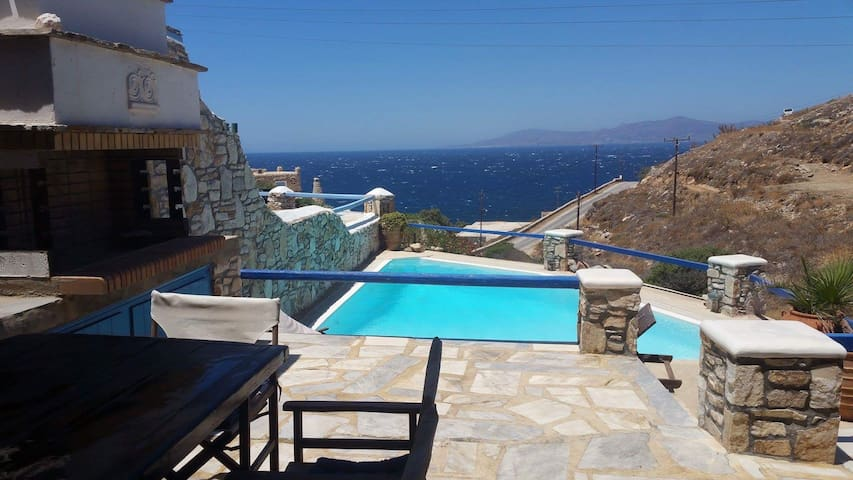 Stylish Spacious Seafront Villa with Private Pool - Ornos - House