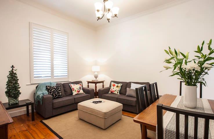 Australian Luxury Stays - Florence - Goodwood - Casa