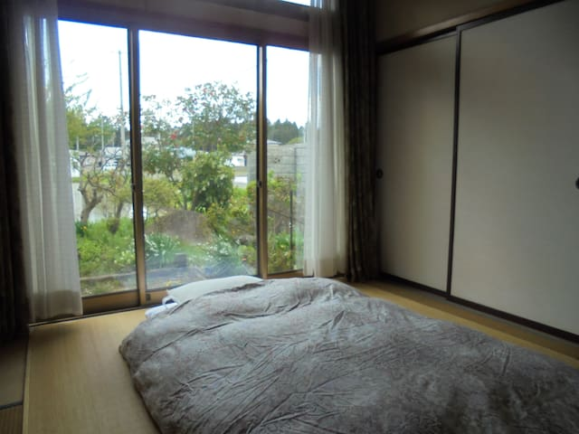 Japanese-style private rooms, house with garden :C