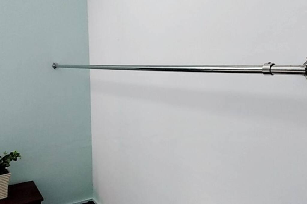 2米不锈钢精品挂衣杆