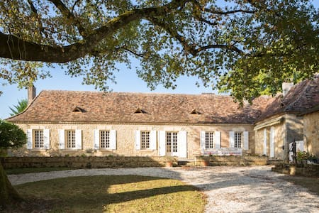 Large Country House, Pool & Tennis - Bergerac