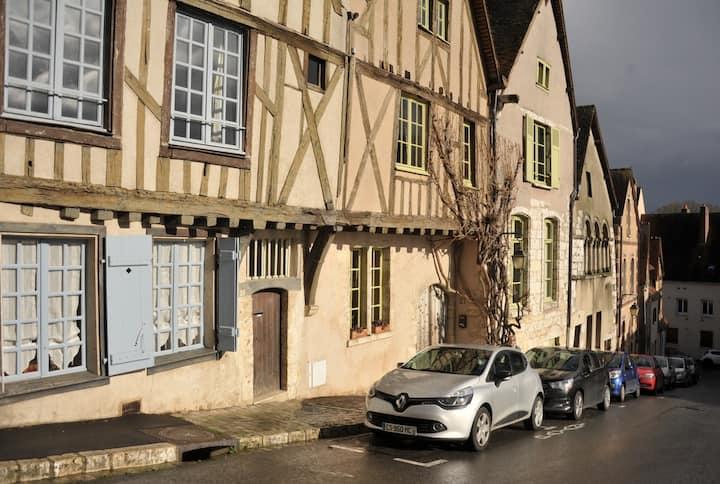 """""""CELLIER CHANTAULT""""  .Quartier historique CHARTRES"""