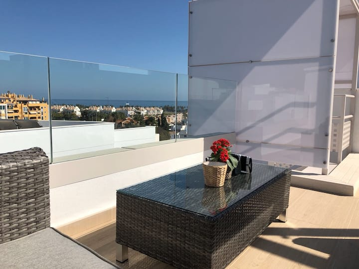 Stunning penthouse by the beach and puerto banus