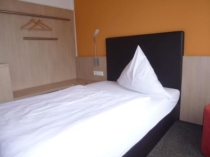 Gasthof zum Bad, (Langenau), Einzelzimmer mit Dusche/WC
