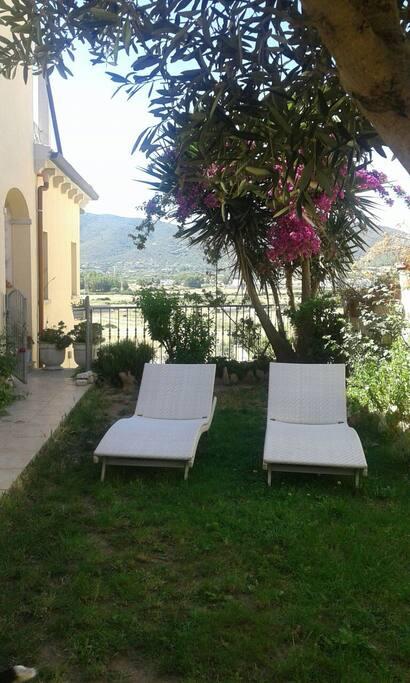 Stanza In Villa Con Giardino Wi Fi Ville In Affitto A