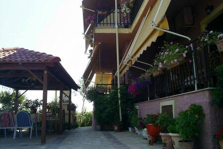 Mama's Rea Apartments N ° 5 - Γαρδενος - Huoneisto