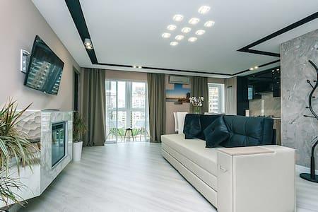The new suite of Lesia Ukrainka 16, 2016 - Kiova