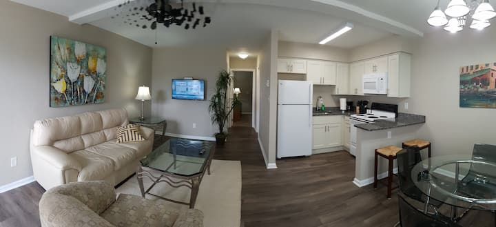 143A Contemporary -Across from 9 mile Beach! WIFI!