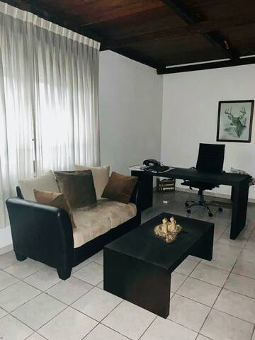 Best place to stay!!! Tres Cruces Home & Garage