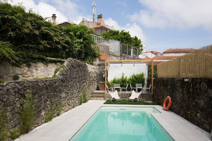 Lovely Townhouse with Pool and Breakfast - Room 5