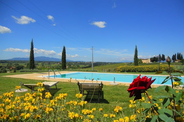 Serene Holiday Home in Stabbia with Pool, Bikes & Garden