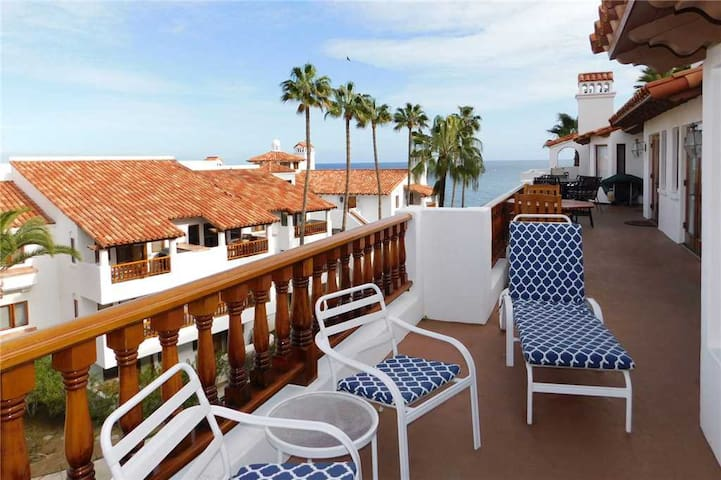Beautiful End Unit Villa + Comp Golf Cart + Only 18 Steps + Close to Pool - Hamilton Cove Villa 9-53