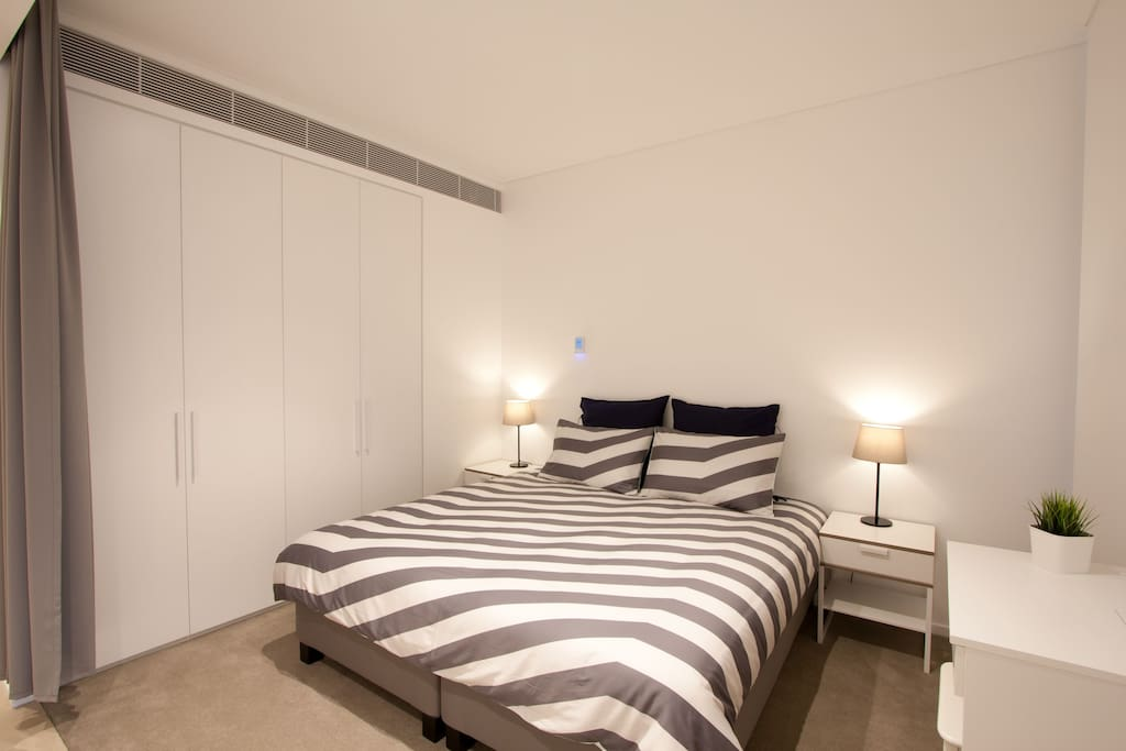 Main Bedroom - King Bed or 2 Single Beds