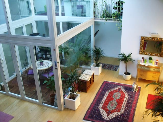 Lovely room in tranquil designer loft Milan centre