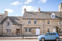 Welcome to Fairholme, a wonderful retreat in the beautiful Cotswold town of Northleach